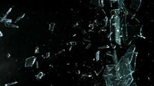 دانلود ویدیو های شکستن شدن شیشه بر اثر اثابت گلوله و اشیاء